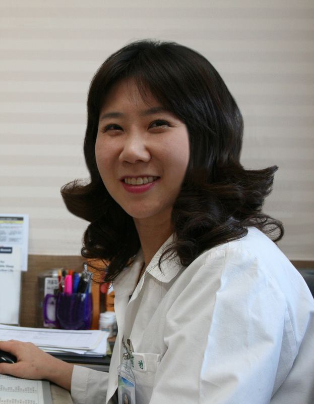 Korean professor wins International Scholar Award at AACAP