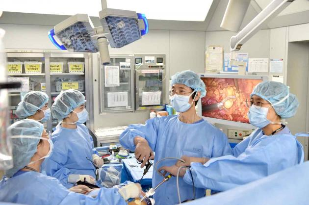 CNUHH introduces Korea's 1st 4K-3D laparoscopic surgical system