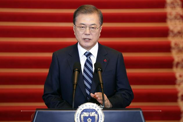 President Moon orders coronavirus check on everyone traveling from China