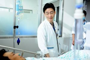 Doctor Lee's struggle shows downside of medical service in Korea