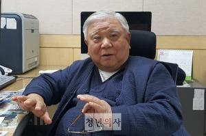 Dr. Lee seeks to 'connect blood vessels' of 2 Koreas